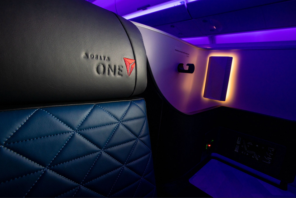 Finding Business Class Flight Deals From NYC to London