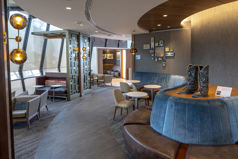 Delta First Class Lounges