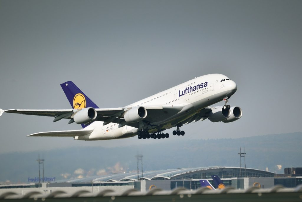 HOW MUCH DOES IT COST TO UPGRADE TO BUSINESS CLASS LUFTHANSA